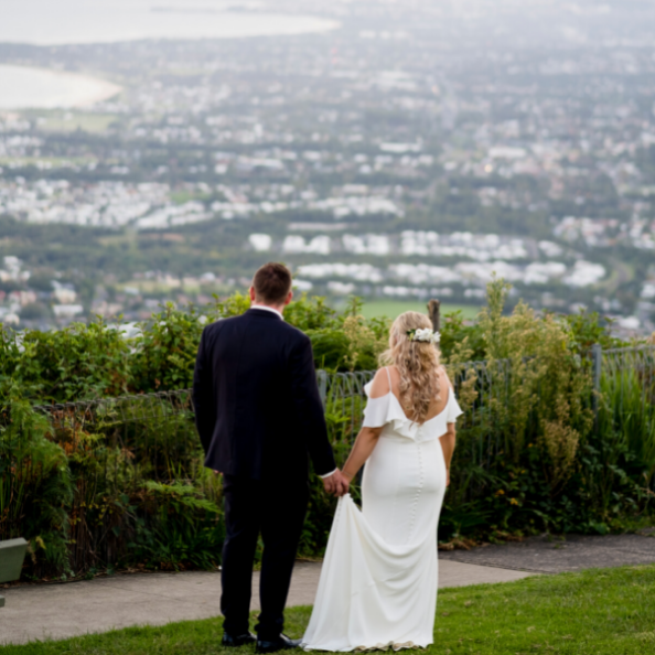 Bride and Groom at Sublime Point Lookout
